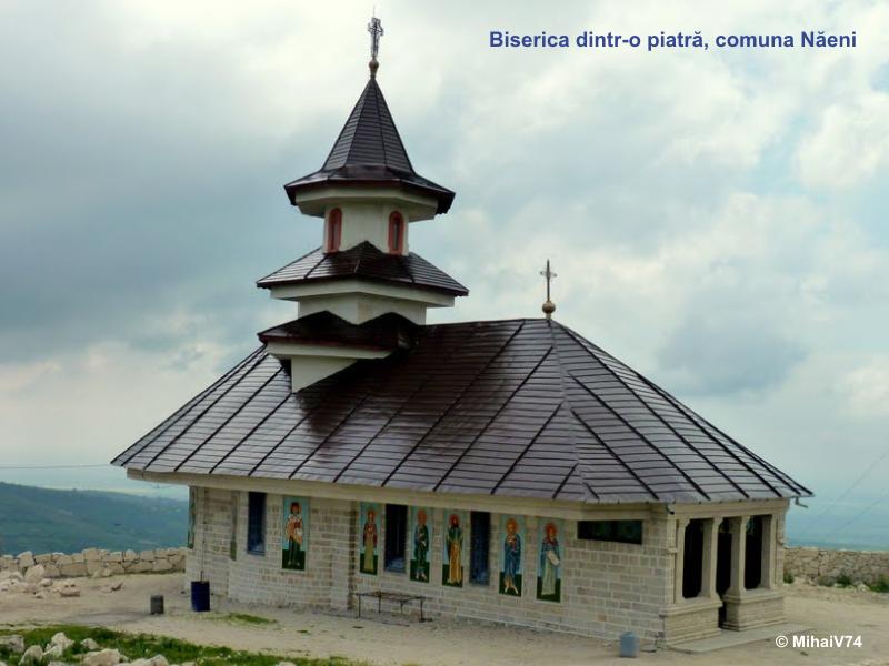 Biserica dintr-o piatra Naeni ©MihaiV74