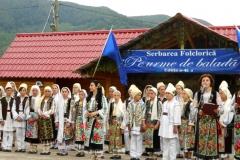 Serbare folclorica gura teghii